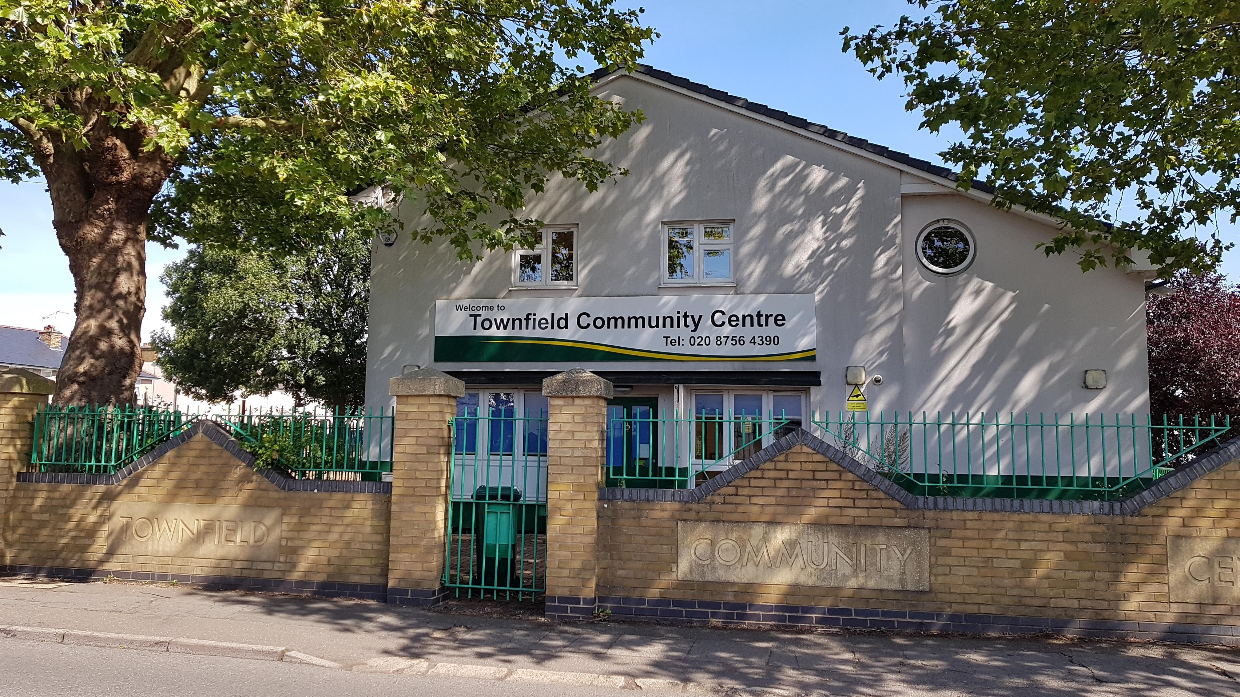 Picture of outside of Townfield Community Centre