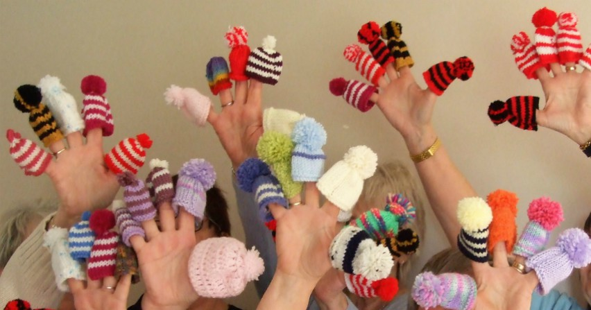 The Slimming 4 Woman Group taking part in the Big Knit