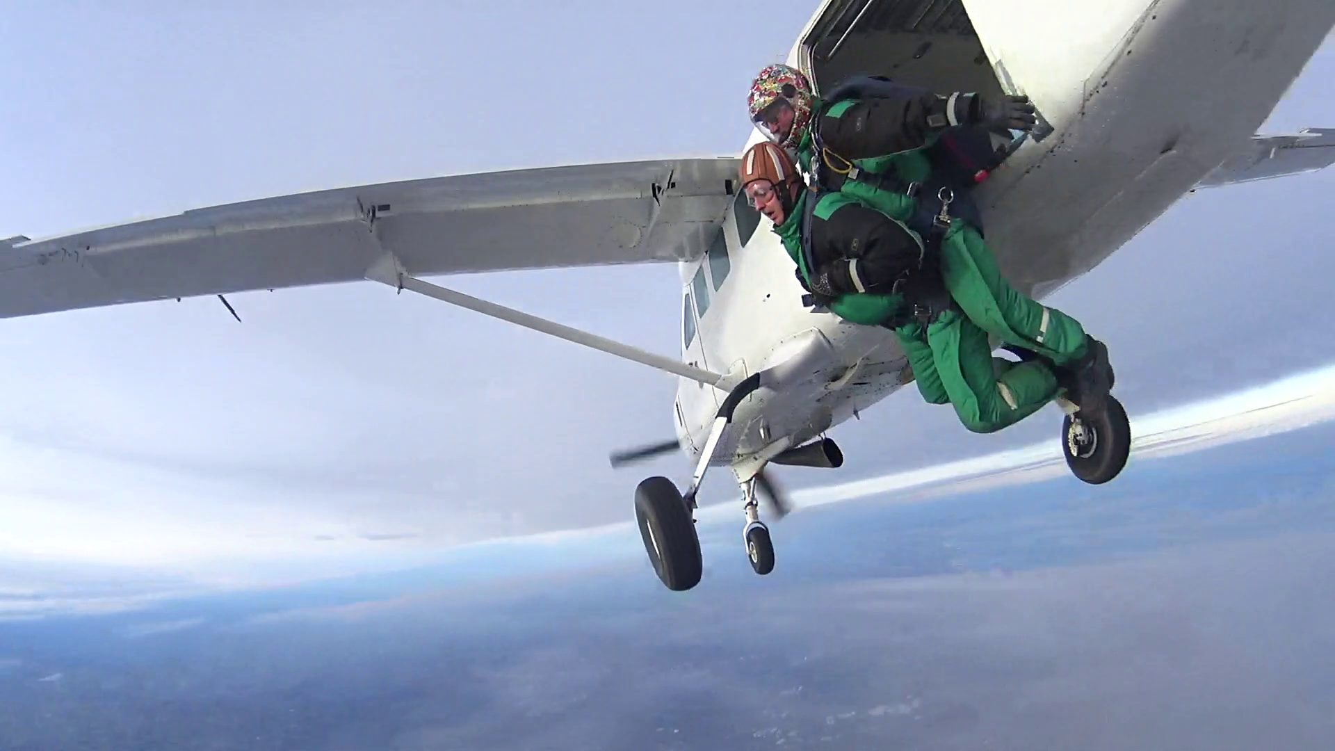 Nathan Steel Skydiving for Age UK Teesside